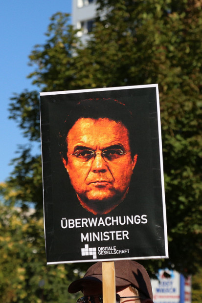 Überwachungsminister